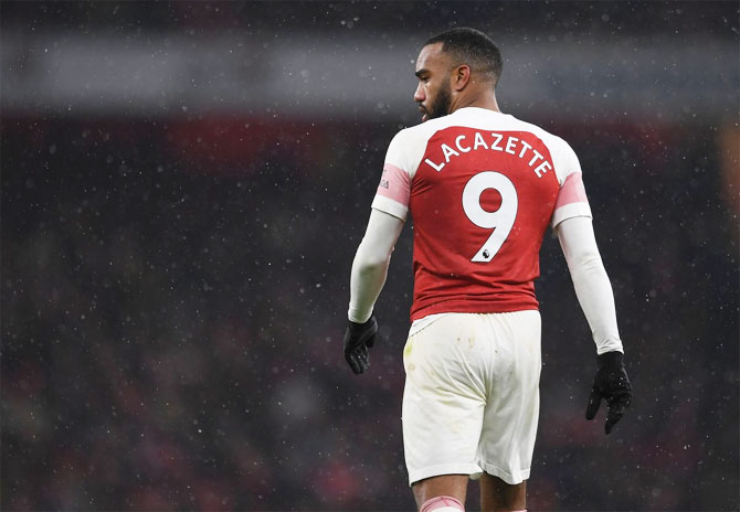 Rediff Sports - Cricket, Indian hockey, Tennis, Football, Chess, Golf - Europa League: Lacazette sent off in Arsenal loss; Chelsea, Napoli win