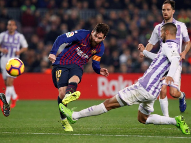 La Liga: Messi penalty helps under-par Barca beat Real Valladolid