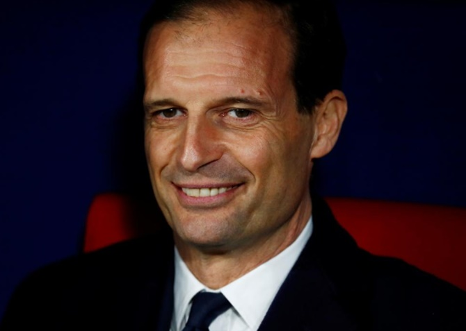 Football Extras: Allegri's decisions under spotlight after Juve swept aside