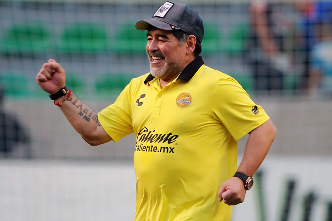 Rediff Sports - Cricket, Indian hockey, Tennis, Football, Chess, Golf - Maradona out of hospital after internal bleeding scare