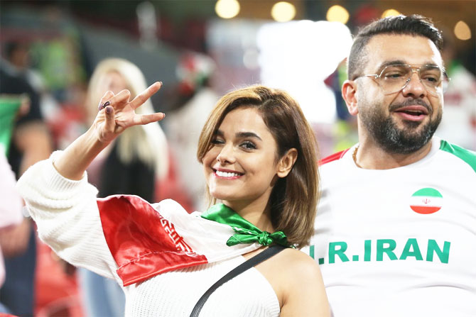 Rediff Sports - Cricket, Indian hockey, Tennis, Football, Chess, Golf - PHOTOS: Fans turn up the buzz at Asian Cup football!