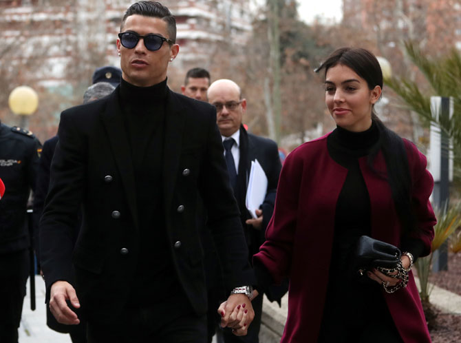 Rediff Sports - Cricket, Indian hockey, Tennis, Football, Chess, Golf - Ronaldo accepts fine for tax evasion, avoids jail