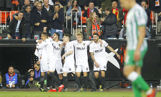 Valencia in Copa final after 11 years