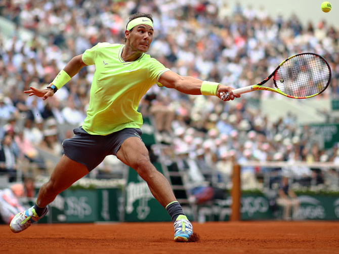 Nadal auctions memorabilia for Spanish Red Cross