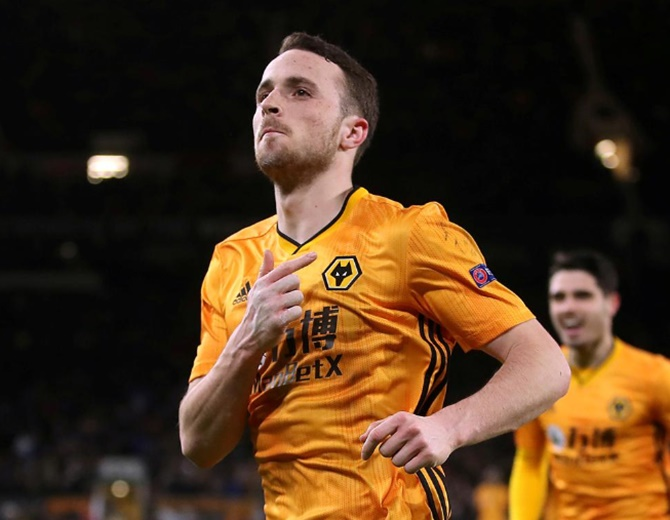 Wolves beat Liverpool to win ePremier League title