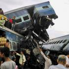 23 killed, 40 injured as 14 coaches of Utkal Express derail in UP