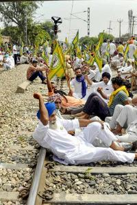 Farmers to hold 4-hour nationwide 'rail roko' on Feb 18