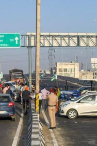 Bharat bandh: Farmers block highways, roads in Punjab, Haryana