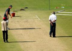 Jaffer slams 'unfit' pitches for Hazare trophy