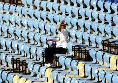 Why Test cricket fails to attract spectators...