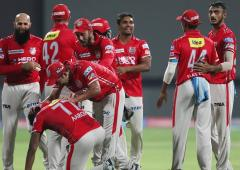 'Players should be tested daily for COVID during IPL'