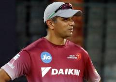 Cricket Buzz: Dravid gets to work at NCA