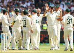 PHOTOS: Australia rout New Zealand at MCG, seal series