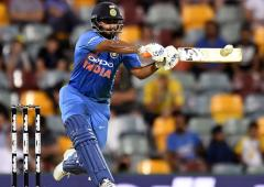 Sehwag questions captain Kohli over Pant's exclusion