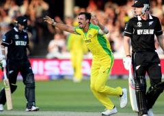 Starc five-for trumps Boult hat-trick as Aus beat NZ