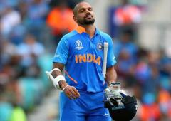 T20: Pressure on Dhawan as battle with Rahul heats up
