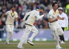 Australia smell victory as England left needing miracle