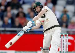 Langer rates Smith above Kohli after Old Trafford win