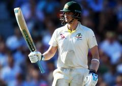 Record-breaking Smith goes past Inzamam