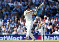 Ashes PIX: Denly shines as England build big lead