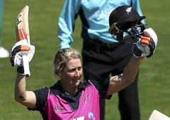 New Zealand's Devine sets a unique record