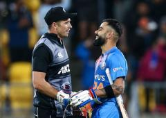 Southee finds a chink in Kohli's armour