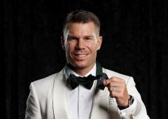 PICS: Warner beats Smith by ONE vote for Border Medal