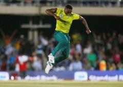 Ngidi bowls SA to thrilling T20 win as England collapse