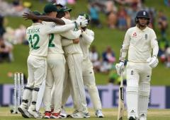 S Africa seek to subdue England; Archer may miss Test