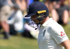 Buttler questions use of stump microphones