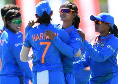 Hosts Australia meet India in dream World Cup final
