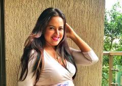 Must-read! Sameera celebrates her post-pregnancy body