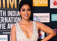 PIX: Shriya, Hansika shine at the SIIMA awards