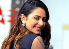 VOTE! Do you like Rakul Preet's little black dress?