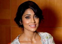 PIX: Shriya Saran adds glamour to an awards night
