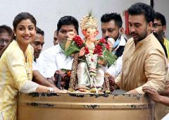 Watch: Shilpa dances during Ganpati visarjan