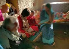 Priyanka meets Unnao victim's family, attacks UP govt