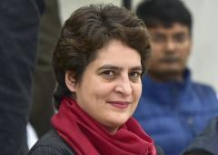 'Congress shouldn't have confined Priyanka to eastern UP'