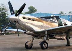 World War-II aircraft Silver Spitfire lands in Nagpur