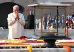 PHOTOS: Prez, PM pay homage to Gandhi, Shastri
