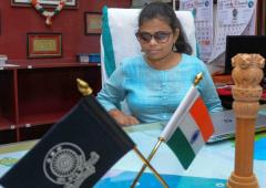 Meet India's 1st visually challenged woman IAS officer