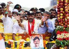 PHOTOS: Shivakumar accorded grand welcome in K'taka