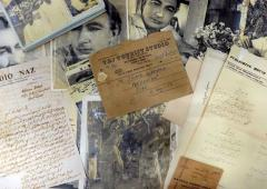 Sahir Ludhianvi's notes, poems found in scrap shop!