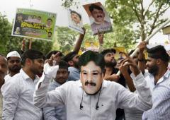 Thousands out to protest Shivakumar's arrest
