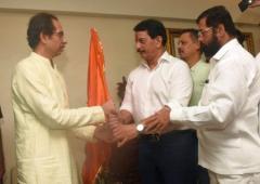 'Encounter specialist' Pradeep Sharma joins Shiv Sena