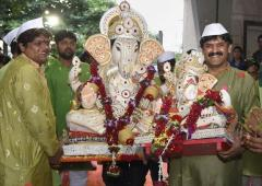 'Ganpati Bappa Morya' chants ring out as fest begins