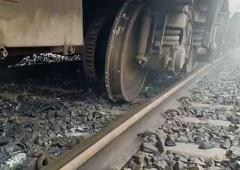 5 coaches of Lokmanya Tilak Express derail, 15 injured