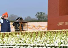 PM pays tribute at National War Memorial on R-Day