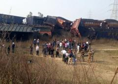 3 killed after 2 cargo trains collide in MP