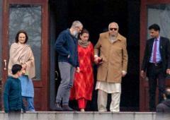 When Dr Abdullah met Mehbooba's family...